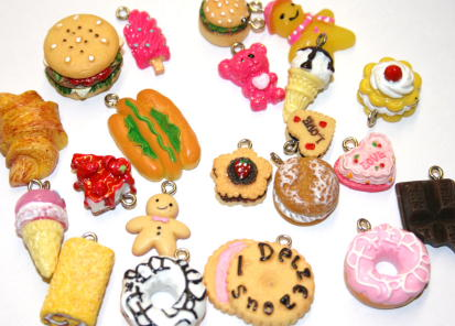100 X MIXED FOOD CHARMS CHFDM1021 ONLY 25p EACH