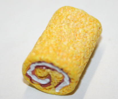 SWISS ROLLS FOOD CHARM 15MM X 15MM CHFD1007